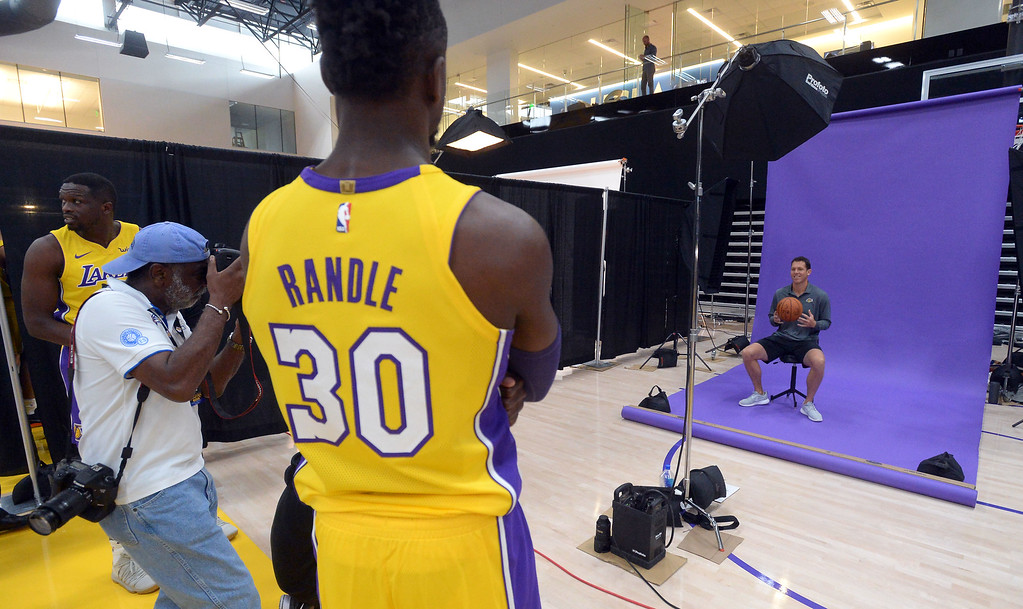 . Julius Randle watches Luke Walton get photographed during the Lakers media day event at their new training facility in El Segundo on Monday, September 25, 2017. (Photo by Scott Varley, Daily Breeze/SCNG)