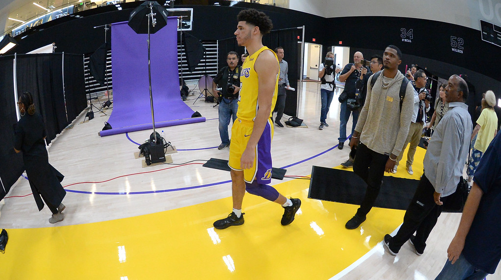 . Lakers top draft pick Lonzo Ball moves around the Lakers media day event at their new training facility in El Segundo on Monday, September 25, 2017. (Photo by Scott Varley, Daily Breeze/SCNG)