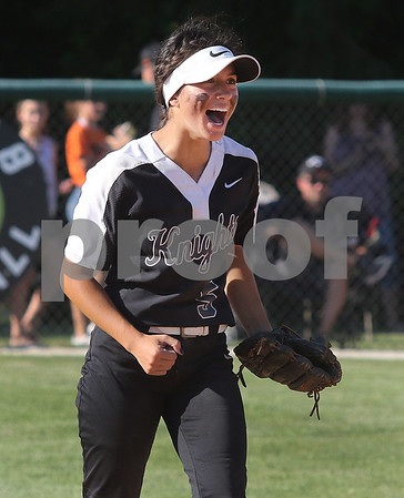 dc.sports.0604.kaneland softball01