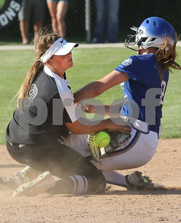 dc.sports.0604.kaneland softball04