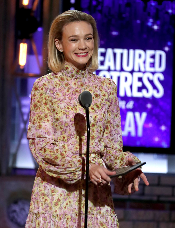 . Carey Mulligan presents the award for best featured actress in a play at the 72nd annual Tony Awards at Radio City Music Hall on Sunday, June 10, 2018, in New York. (Photo by Michael Zorn/Invision/AP)