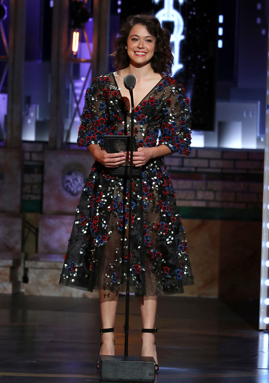 . Tatiana Maslany presents the award for featured actor in a play at the 72nd annual Tony Awards at Radio City Music Hall on Sunday, June 10, 2018, in New York. (Photo by Michael Zorn/Invision/AP)
