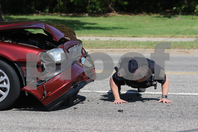 dnews_0614_3Car_Crash_05