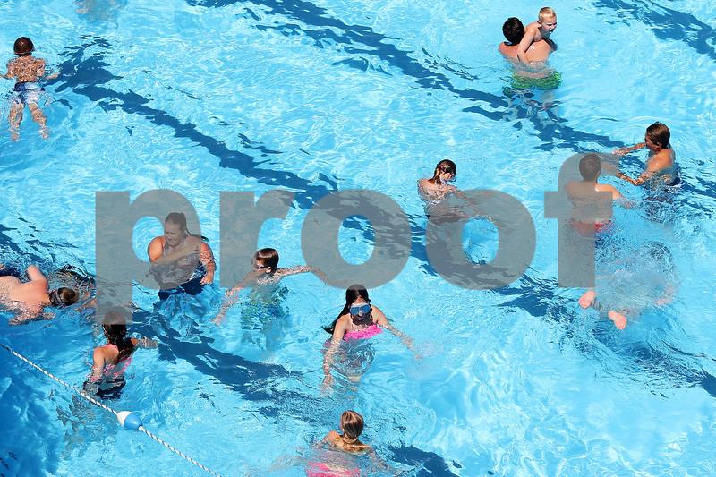 dnews_0616_Genoa_Pool_02