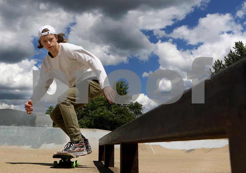 dnews_0626_Skateboarders_07