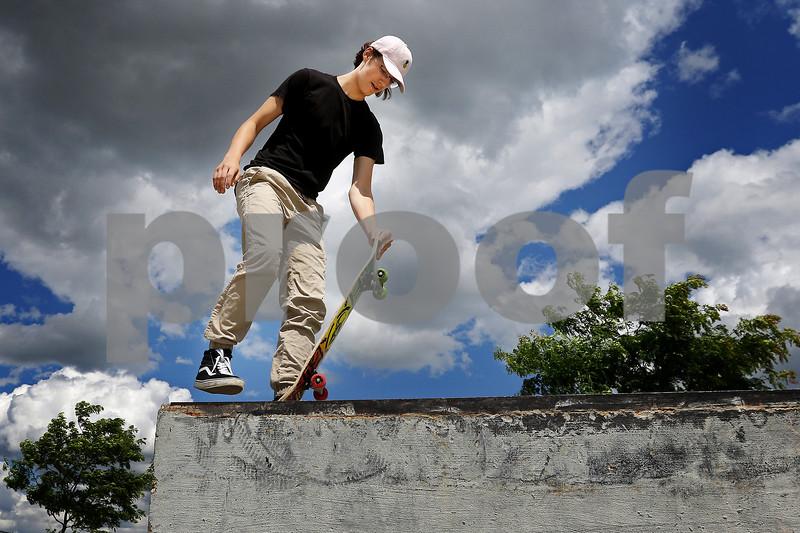 dnews_0626_Skateboarders_04