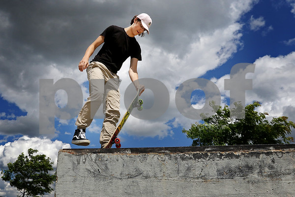 dnews_0626_Skateboarders_04