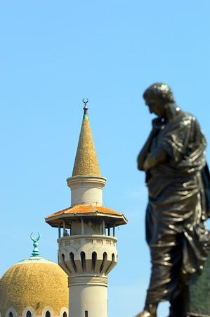 Europe, Romania, Black Sea Coast, Constanta, Mahmudiye Mosque and statue of Ovid