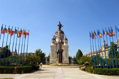 Europe, Romania, Transylvania , Cluj-Napoca, Piata Avram Iancu, Orthodox Cathedral statue of Avram Iancu