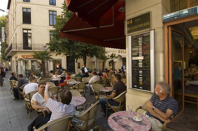 Europe, France, Provence, Avignon, cafe-bar on Rue De La Republique