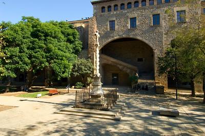 Hospital de la Santa Creu, El Raval, Barcelona, Catalonia, Spain
