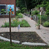 Marblehead072518-Owen-Bell School garden03