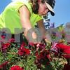 dc.071018.gardening01