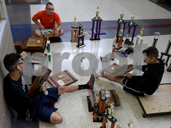 dnews_0710_Trophy_Dusting_02