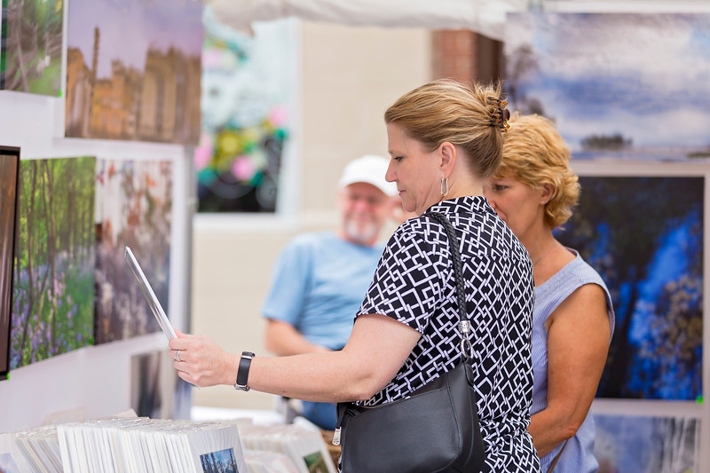 Carrie Garland — The News-Herald <br> Visitors enjoyed the 2017 Willoughby ArtsFest on July 15, 2017.