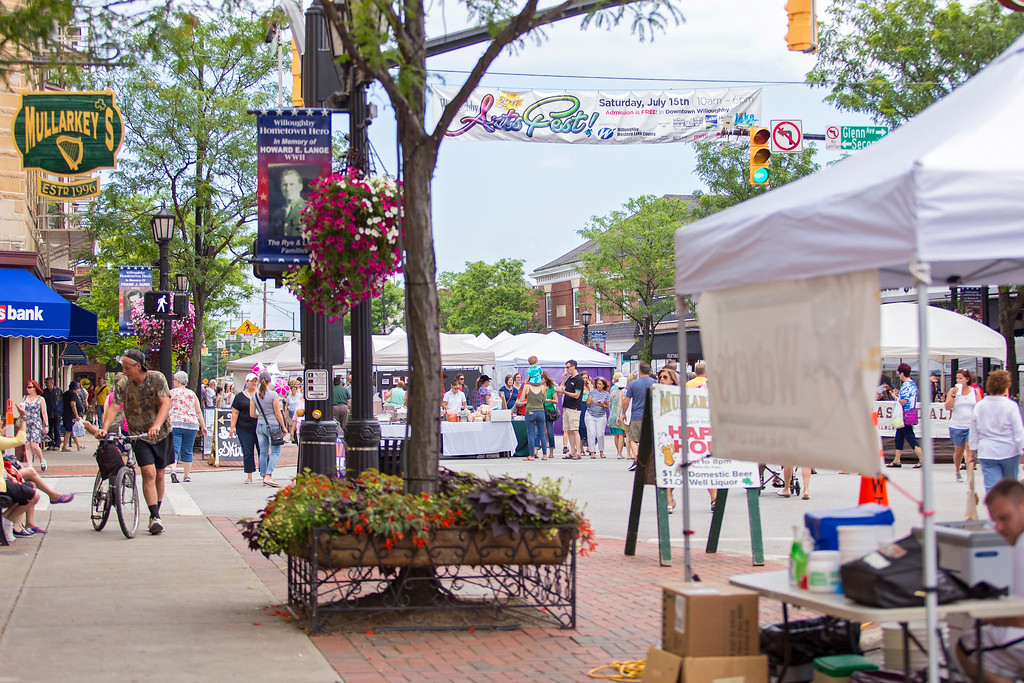 . Carrie Garland � The News-Herald <br> Visitors enjoyed the 2017 Willoughby ArtsFest on July 15, 2017.