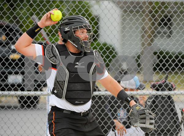 dc.sport.0718.dekalb softball-10