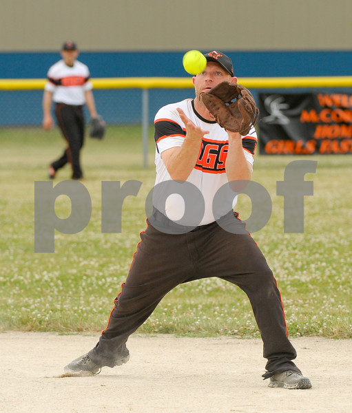 dc.sport.0718.dekalb softball-9