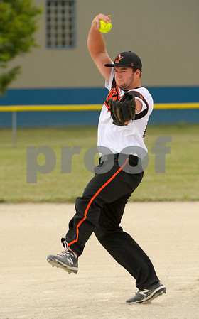 dc.sport.0718.dekalb softball-5