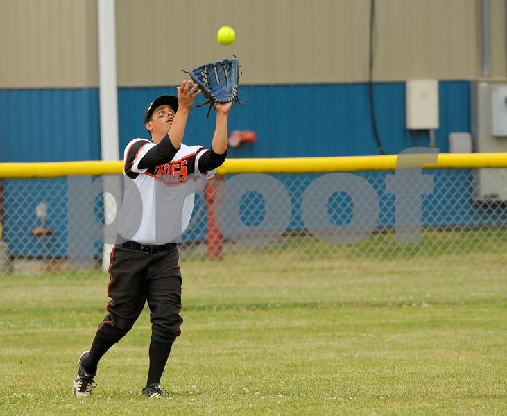 dc.sport.0718.dekalb softball-6