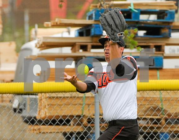 dc.sport.0718.dekalb softball-7