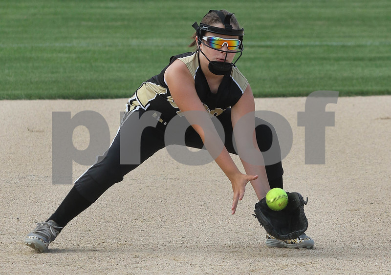 dc.sports.sycamore softball02