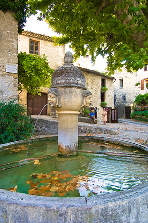 Europe, France, Provence, Vaison-la-Romaine, fountain on main square