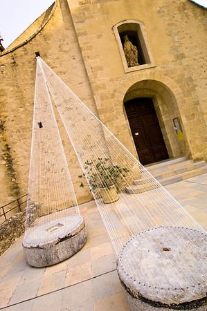 Europe, France, Provence, Gigondas, modern art