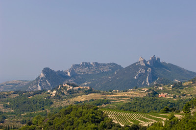 Europe, France, Provence, Dentelles de Montmirail and view of Suzette village