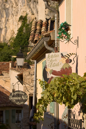 Europe, France, Provence, Moustiers-Ste-Marie, art galleries