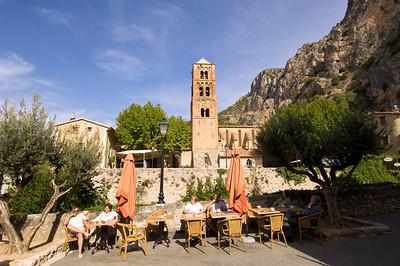Europe, France, Provence, Moustiers-Ste-Marie, cafe-bar