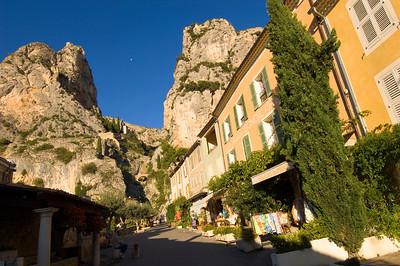 Europe, France, Provence, Moustiers-Ste-Marie, street scene