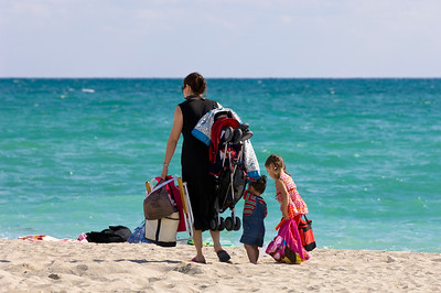 United States Of America, Florida, Miami, South Beach, mother with two children going to the beach