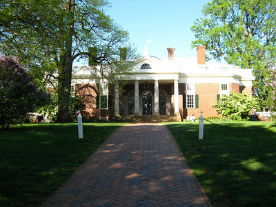 The front entrance to Monticello.
