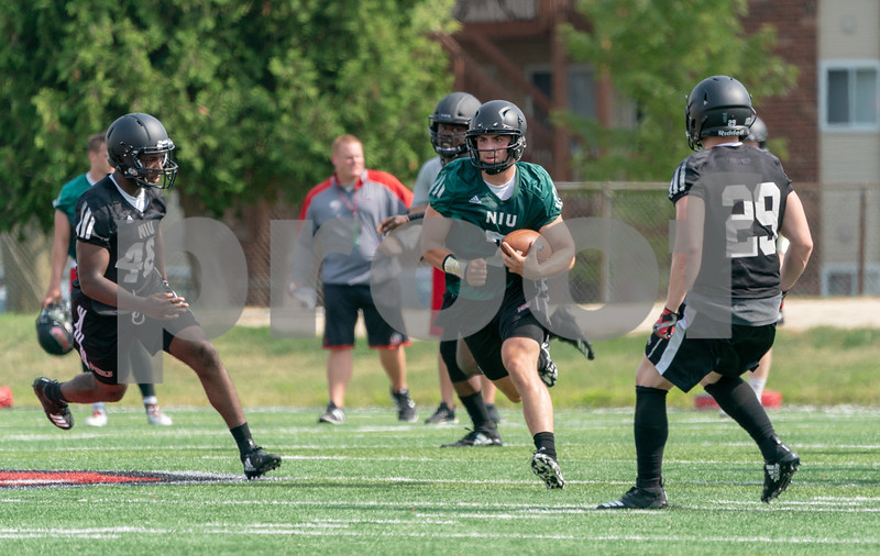 dc.sports.0804.niu first practice