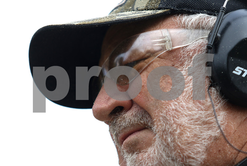 dnews_0804_Bear_Carver_07