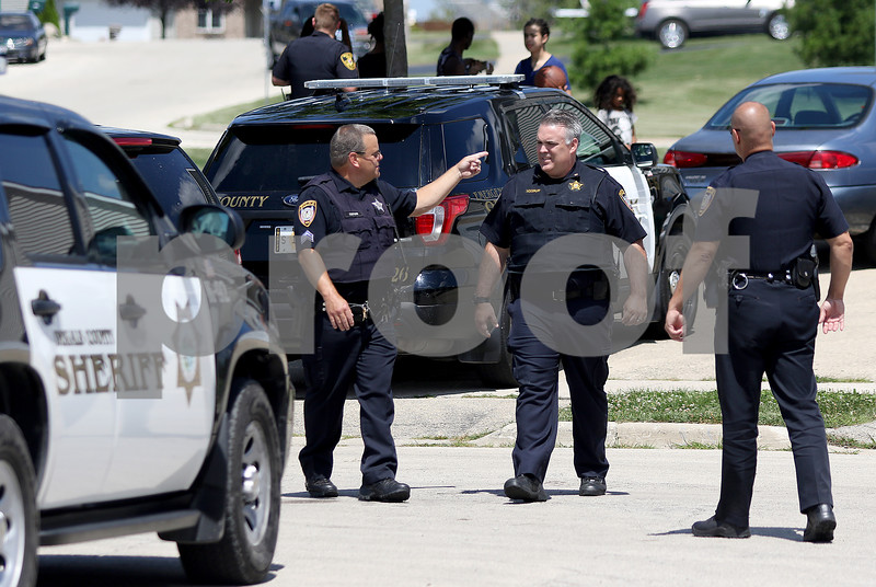 dnews_0808_DeK_Manhunt_02