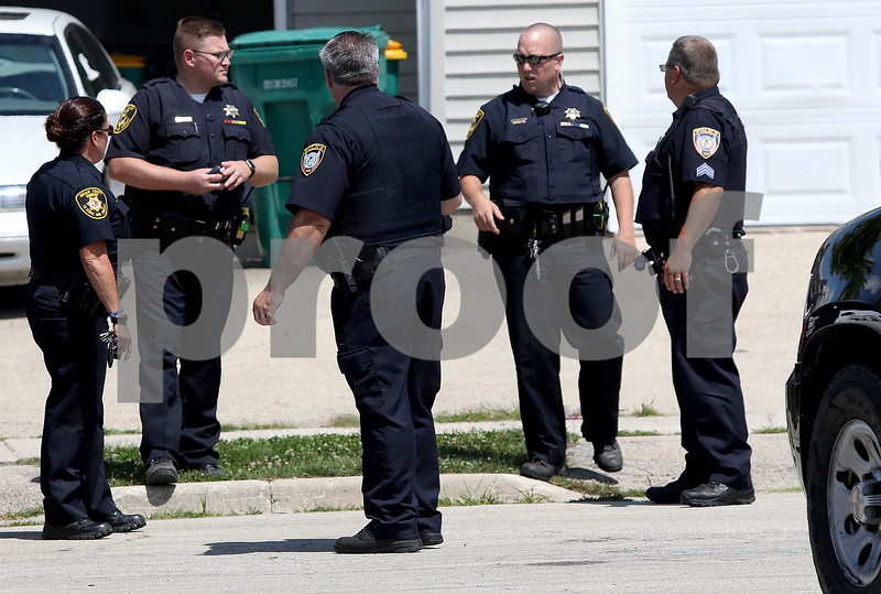 dnews_0808_DeK_Manhunt_07