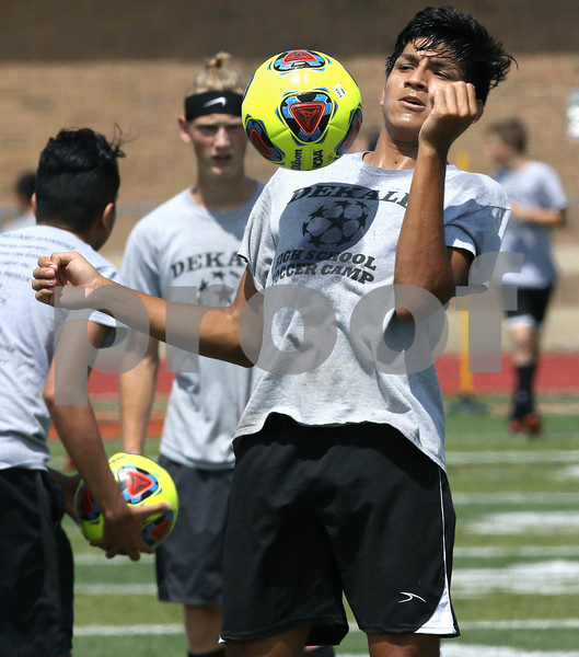 dc.sports.0820 boys soccer04