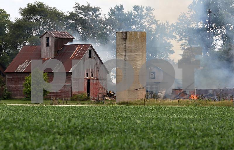dnews_0809_Barn_Fire_01
