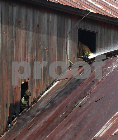 dnews_0809_Barn_Fire_06