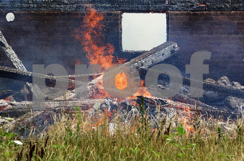 dnews_0809_Barn_Fire_08