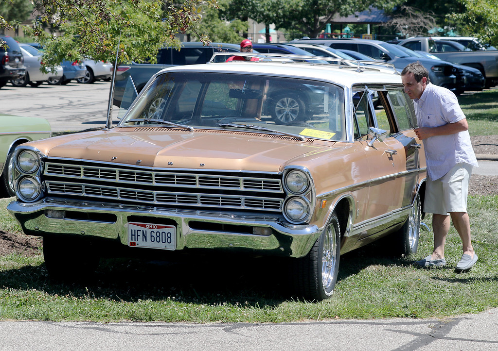PHOTOS Variety Of Vehicles Showcased At Mentor CruiseIn Aug - Civic center car show