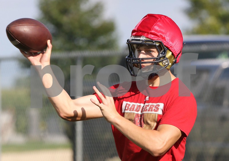 dc.sports.0814.hiawatha football05