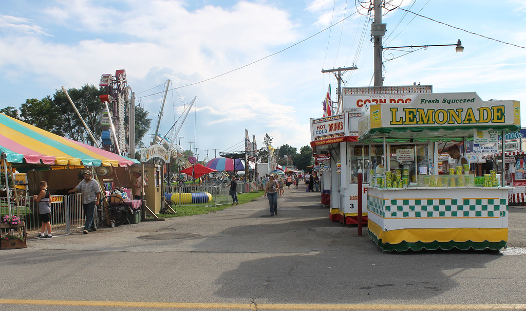 . Kailee Leonard � The News-Herald <br> The midway stays quiet Wednesday morning at the fairgrounds.