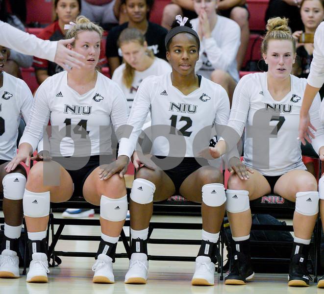 dc.NIU.WIU.womens.volleyball-14