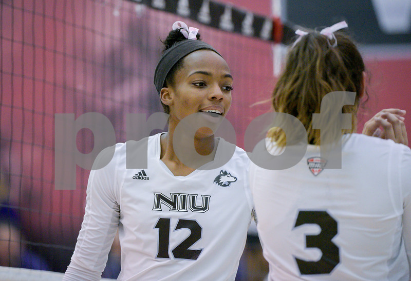 dc.NIU.WIU.womens.volleyball-11