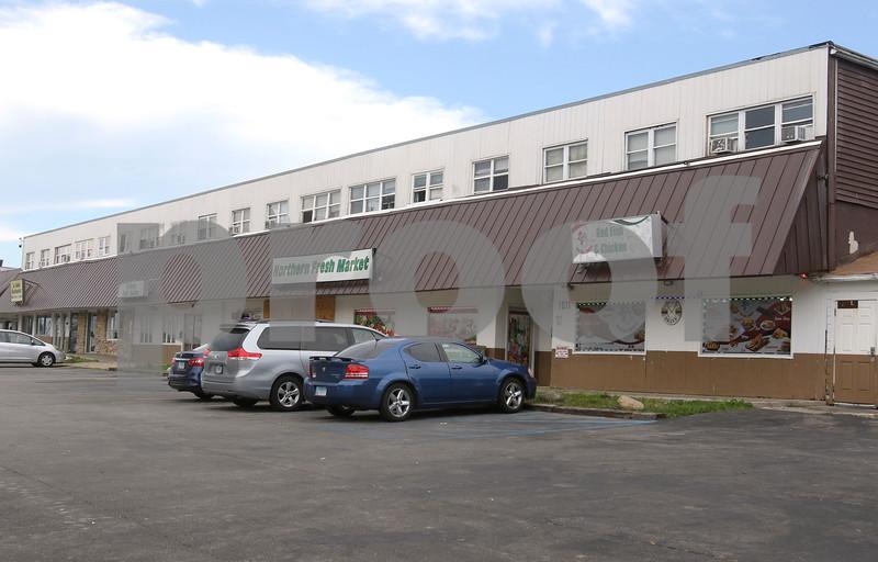 dc.0824.Hillcrest strip mall