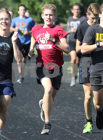 dc.sports.0829.sycamore boys cross country03