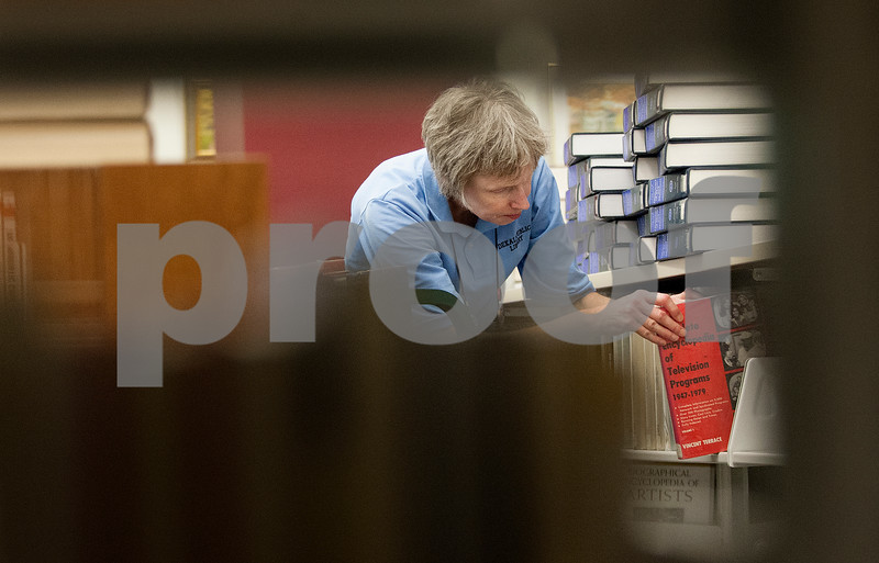 dcnews_083016_Library_Work_01